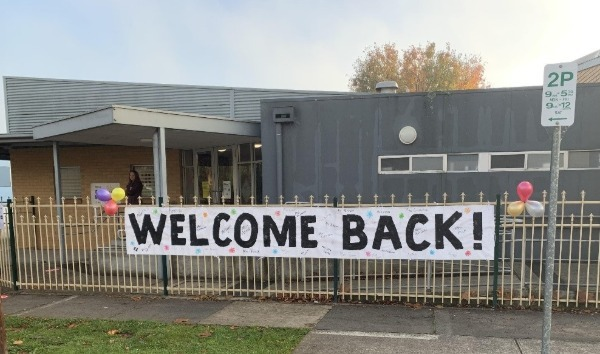 Welcome_Back_poster1.jpg